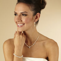 Linked Pearl Jewellery Set