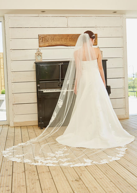 Single Tier long Lace Veil