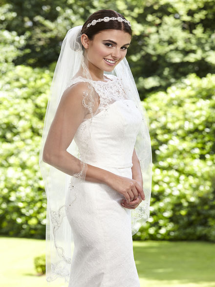 One Tier Embroidered Edge Bridal Veil