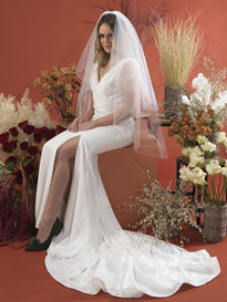 Picot Edge Veil with Scattered Pearl