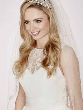 Diamante Chain Pattern Edge Bridal Veil