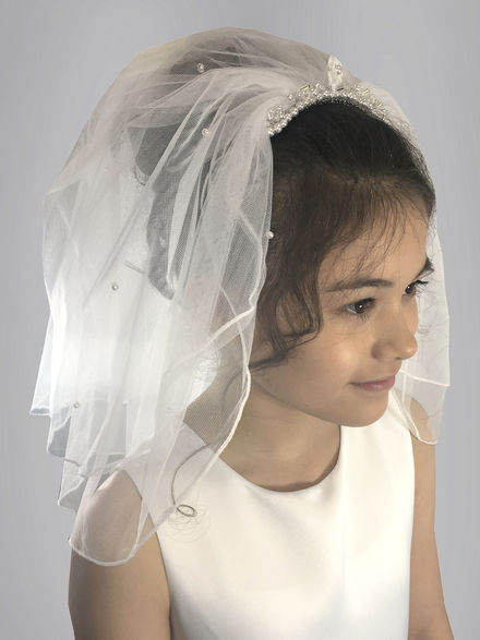 Veil With Flower & Pearl Comb attached