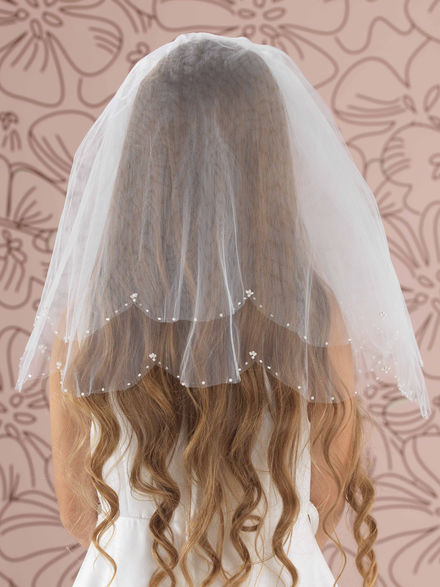 Beaded and Pearl Scallop Edge Veil